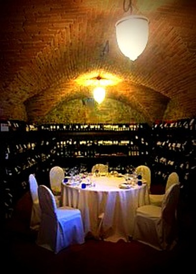Castello del Nero tasting table