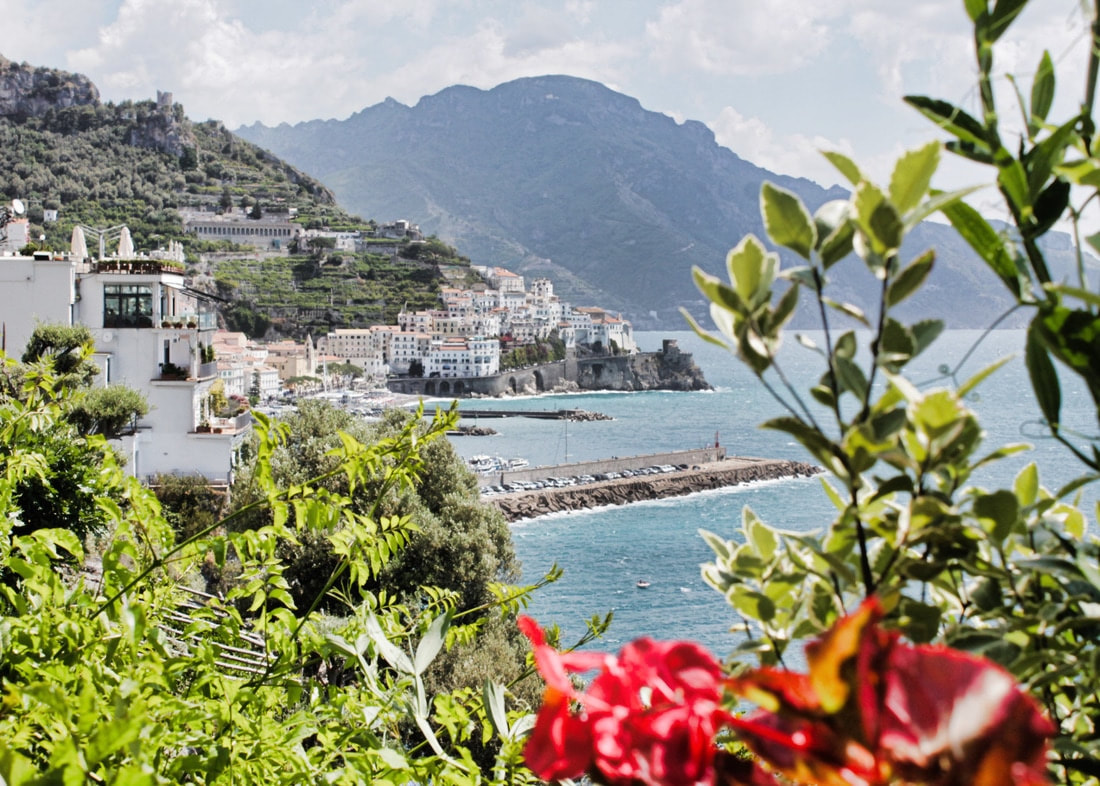 Destination Delicious' guide on what to pack for Amalfi, Italy