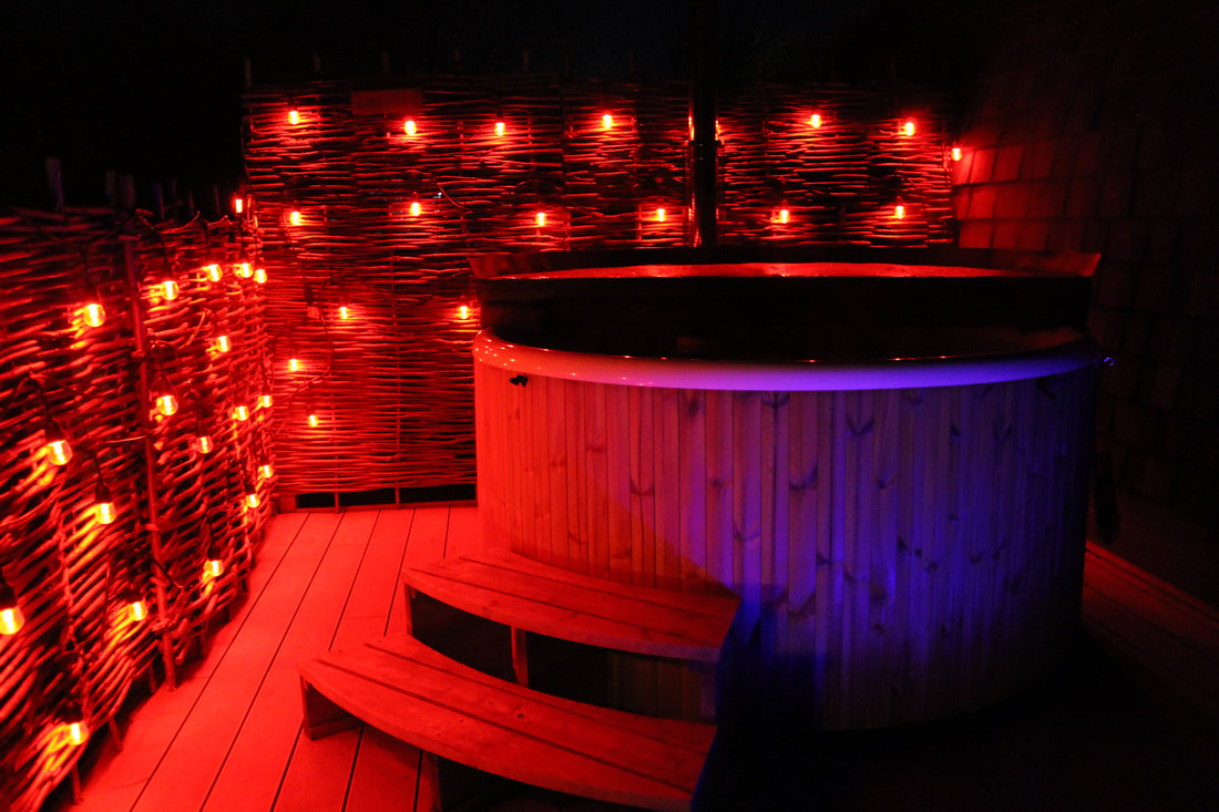 Hot tub at Wingbury Farm Glamping