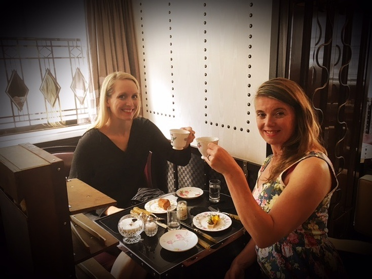 Low Tea at The Luggage Room Marriott Hotel London