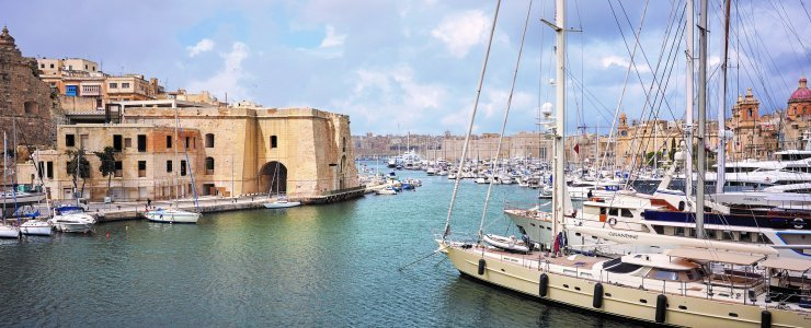 Luxury hotels in Grand Harbour, Malta: Cugo Gran Macina in Senglea, Malta