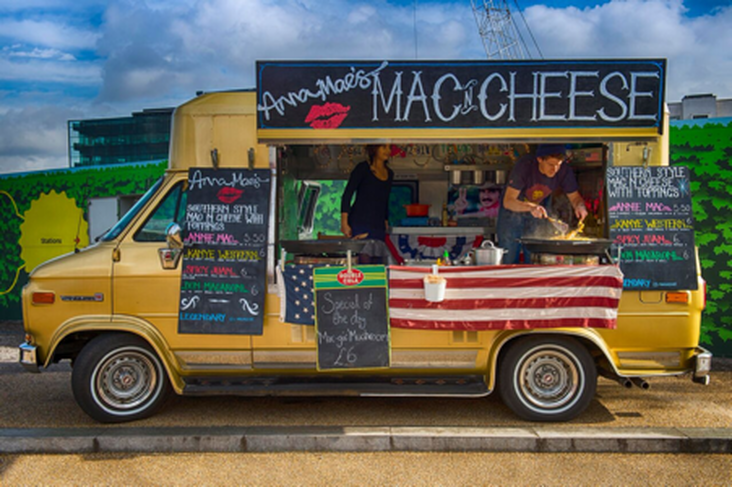 Anna Mae's mac n cheese van London
