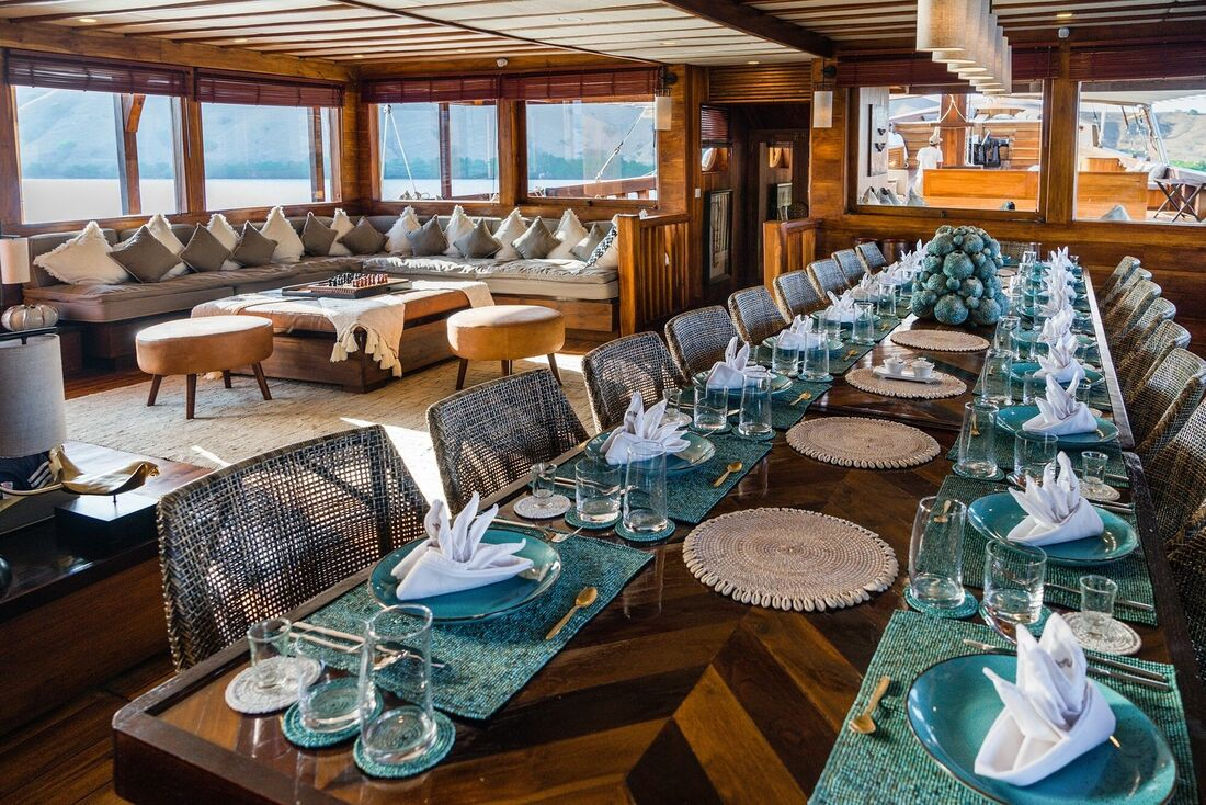 acht review: Destination Delicious takes a cruise on the gorgeous Prana by Atzaro